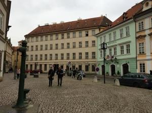 رحلتي إلى المدينة الذهبية (براغ)